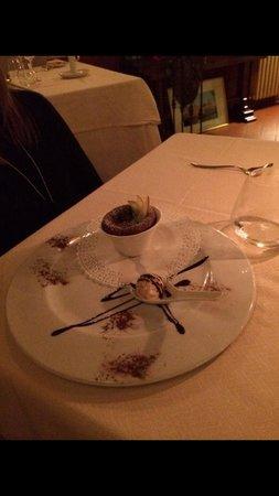Ristorante La Cantinella: Tortino al cioccolato con gelato al torrone,super!!!