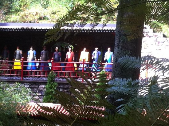 Monte Palace Tropical Garden : ale japanische Figuren