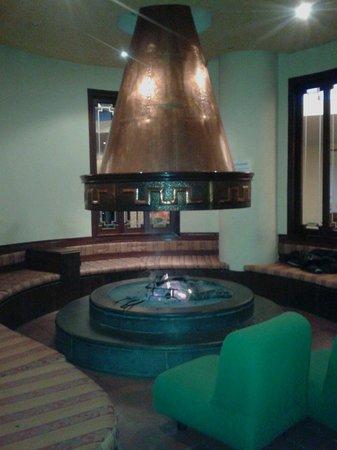 Delberg Palace Hotel: Sala camino Veramente ottima x rilassarsi.