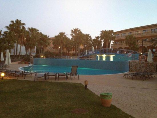 Mon Port Hotel & Spa: Piscina