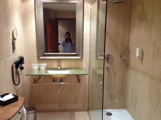 Mon Port Hotel & Spa: baño
