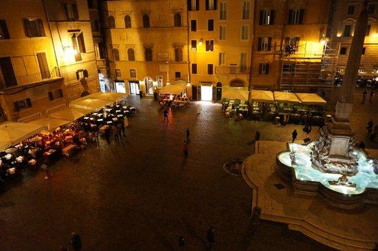 Pantheon Royal Suite: Vistas a la Piazza de la Rotonda