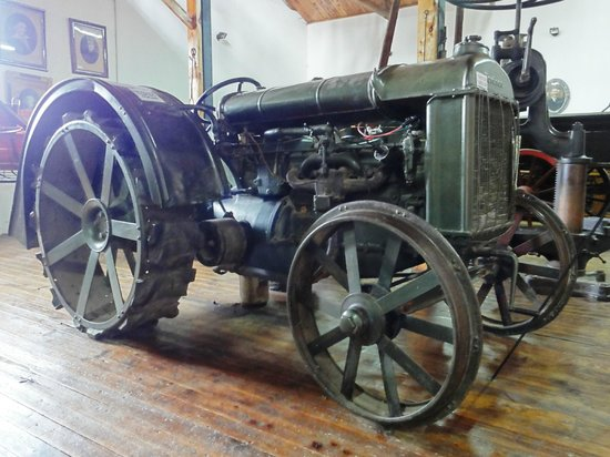 Museo Molino Nant Fach: Tractor Fordson