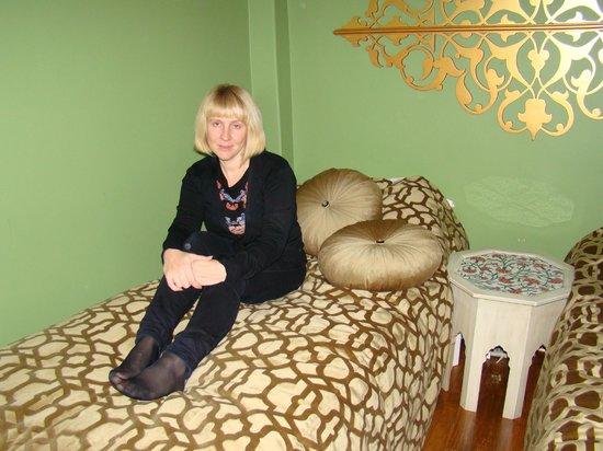 Kervan Hotel: неширокая кровать