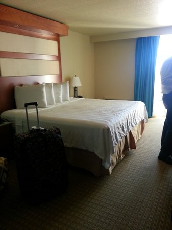 PG Waterfront Hotel & Suites: The room 147