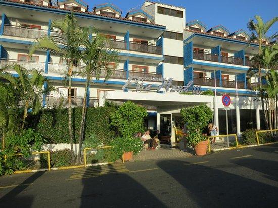 Apartamentos Pez Azul: hotell ingången