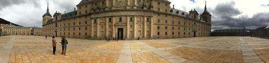 Monasterio y Sitio de San Lorenzo de El Escorial: Panoramica
