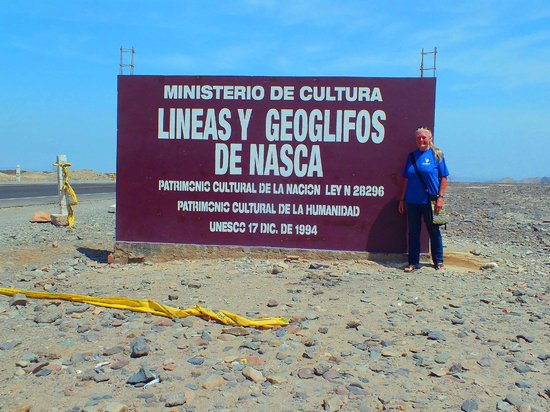 Nazca, Peru: Sign along the Hwy