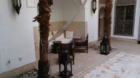 Riad Tzarra: Courtyard