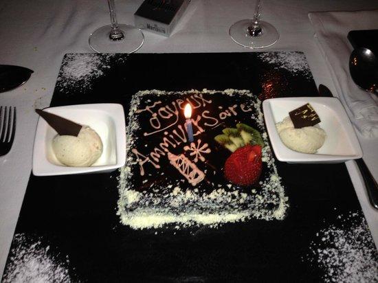 L'Heure Bleue Palais : Un gâteau pour l'anniversaire de mon conjoint (leur idée)