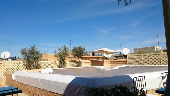 Riad Tzarra : Roof terrace