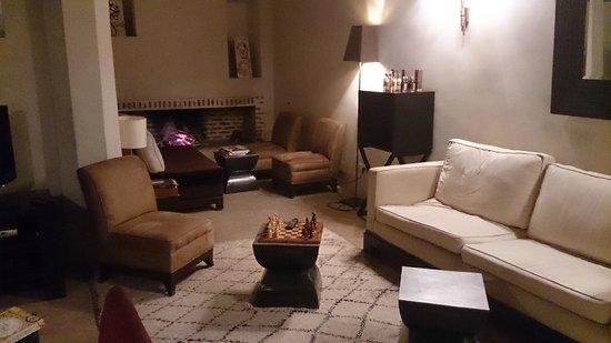 Riad Tzarra: Lounge Diner