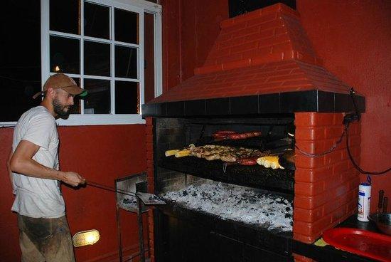Hostel Estoril: BBQ dinner