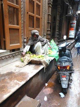 Delhi Shopping Tour : marchand de fruits