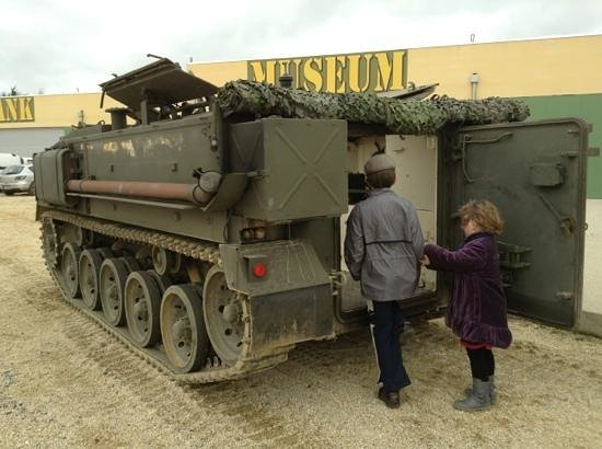 Normandy Tank Museum : 4 can ride in this tank for €45 each