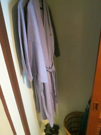Krabi Tipa Resort: Bathrobes