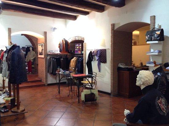 959c719e1443a L interno del negozio - Foto di Smart s Abbigliamento Uomo