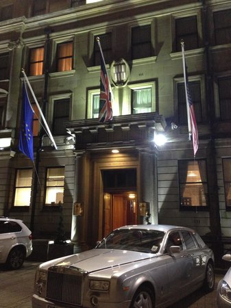 The Vermont Hotel : Entance on Castle Garth