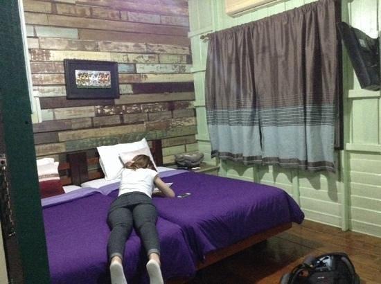 Tamarind: camera da letto, la prima appena salite le scale a sx del frigorifero