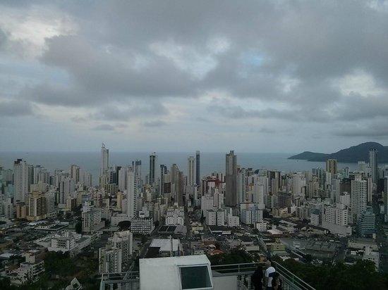 Cristo Luz : Dia nublado, porém a vista é muito bacana.