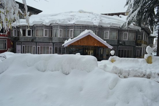 Snow Valley Resorts: The Hotel after heavy snow