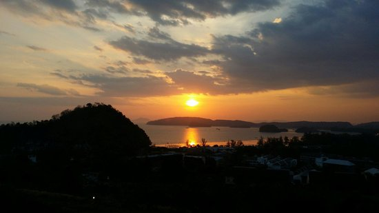 The Hilltop : Beautiful Sunset
