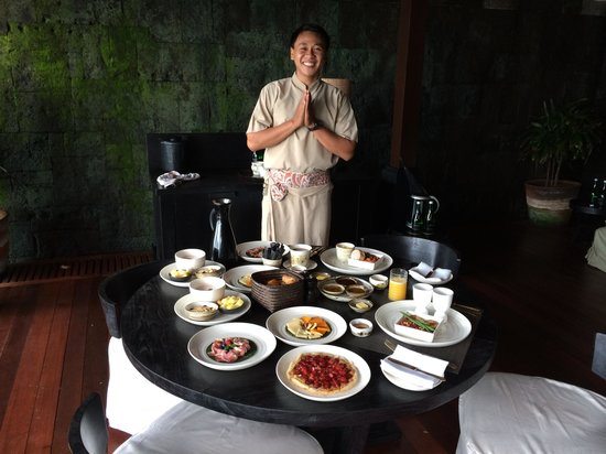 Bulgari Resort Bali: breakfast in our room