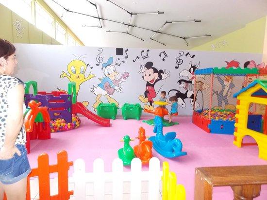 Hotel Monte Real: area de lazer infantil