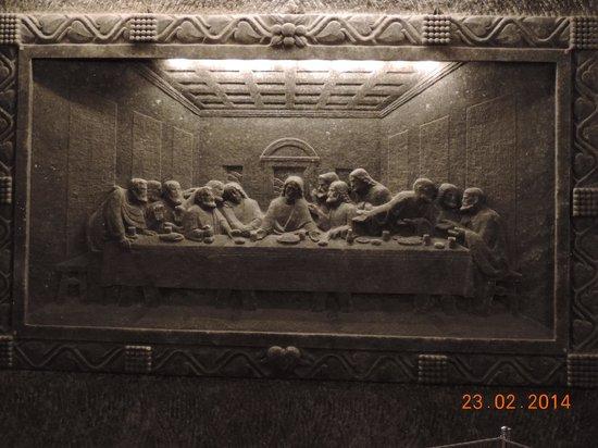 Wieliczka : Тайная вечеря.Барельеф из соли, изготовлен скульптором самоучкой