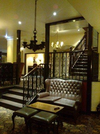 Bull Hotel: The lovely stair case