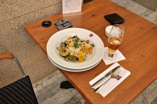 Clarion Hotel Prague City: Street restaurant of the hotel - delicious dishes