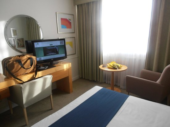 Holiday Inn Gloucester - Cheltenham: TV