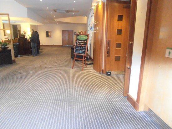 Holiday Inn Gloucester - Cheltenham: Reception