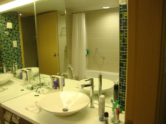 Panda Hotel: Bathroom