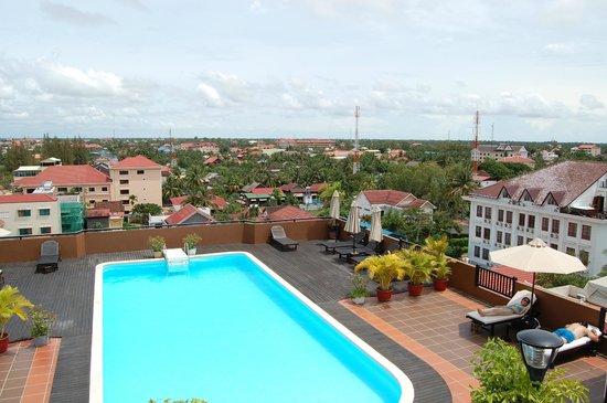 City River Hotel: На крыше