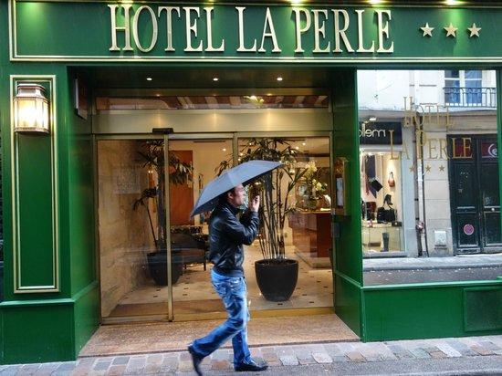 Hotel La Perle : facade