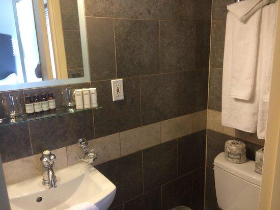 Washington Jefferson Hotel: Bathroom