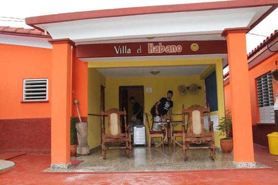 Villa El Habano: devant la chambre