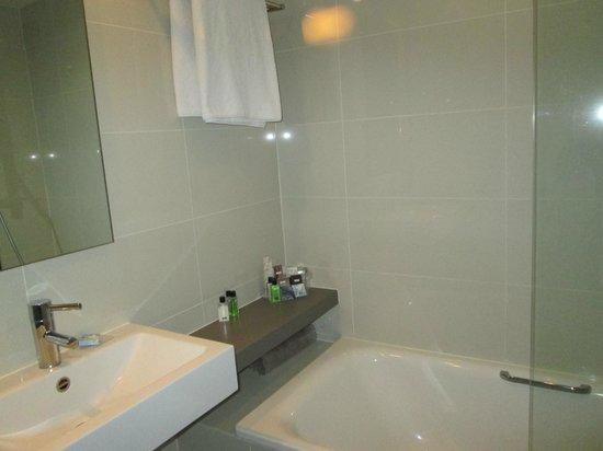 H10 London Waterloo: Bathroom