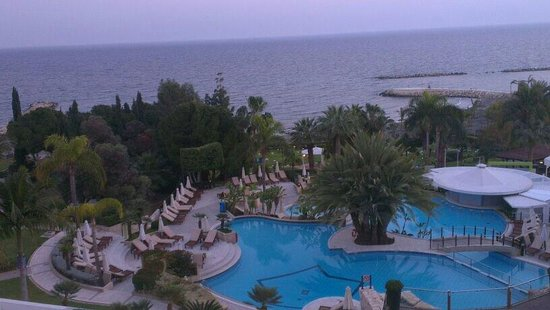 Mediterranean Beach Hotel: The view from 5th floor