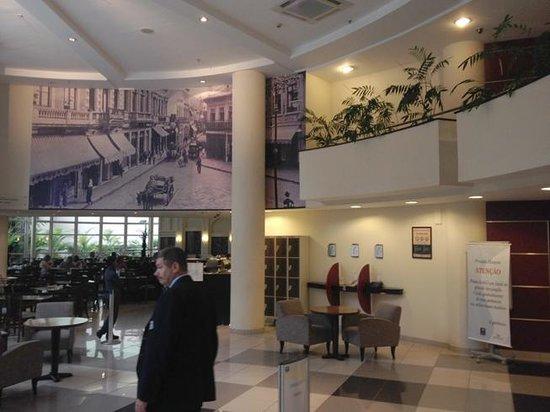 Nobile Hotel Downtown : Hall de entrada.