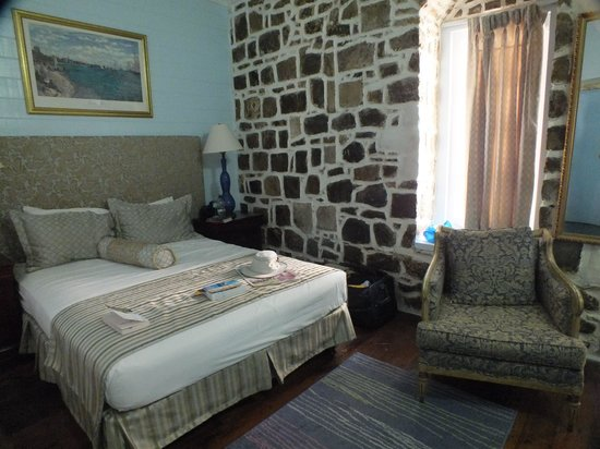 The Cobblestone Inn: Room