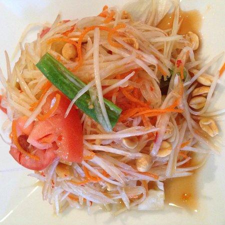 Thai Arroy: Delicious papaya salad
