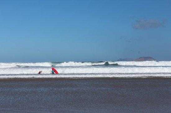 Lava Flow Surf Lanzarote: Famara