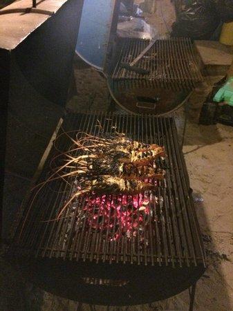 Memories Beach Bar: Hummer on the grill