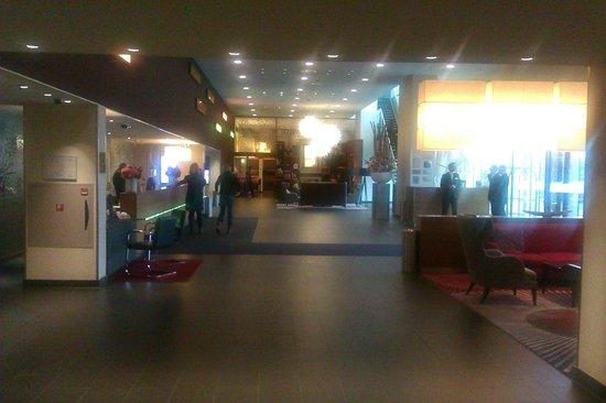 Movenpick Hotel Amsterdam City Center: foyer