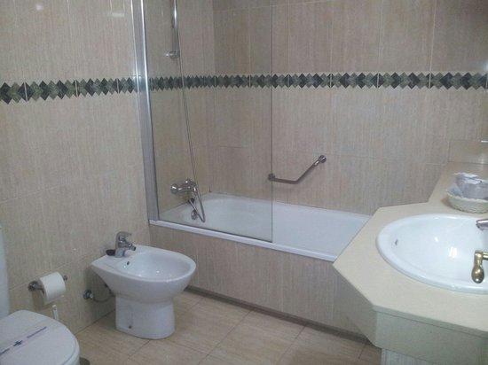Rubimar Suite ApartHotel: Bathroom