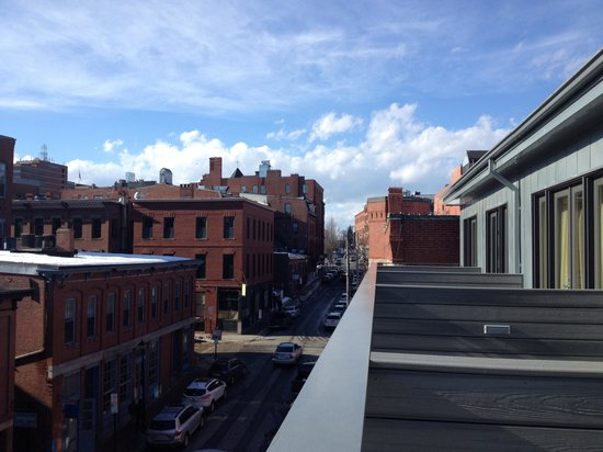 Portland Regency Hotel & Spa: Another street view from our deck.