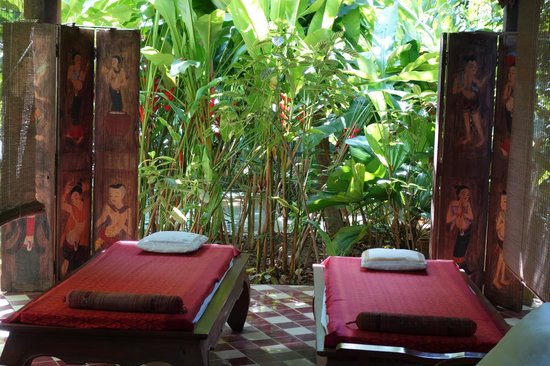 Ban Sabai Spa Village Boutique Resort & Spa: Gardens with massage areas