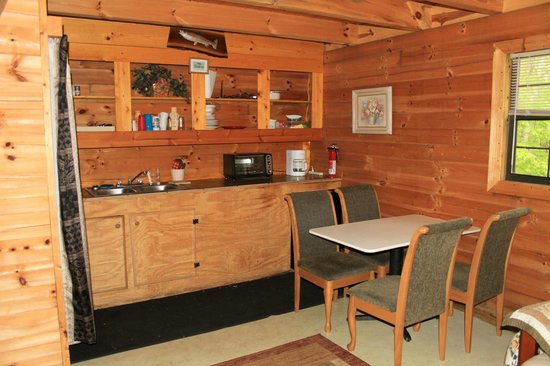 Deep Valley Campground : Cabin